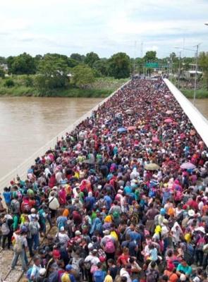 Los inmigrantes centroamericanos, ¿Esta alguien atrás de ellos?